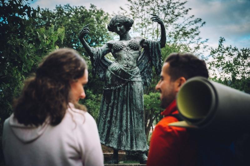 Estatua de La Bella Otero