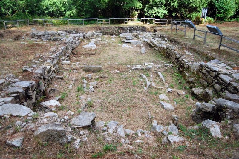 Yacimiento arqueológico Igrexa Vella de Santa Comba de Louro