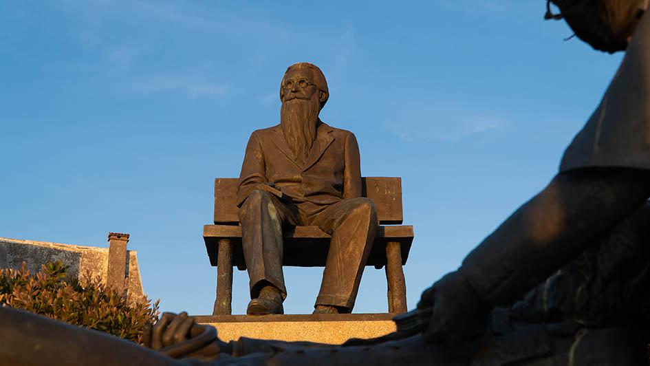 estatua valle inclan